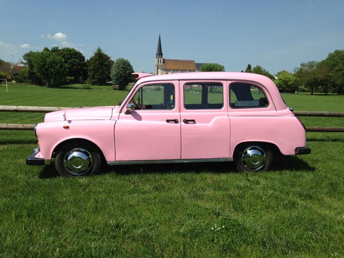 taxi anglais rose, unique en France, fun, different, Pink Lady, location avec chauffeur, TaxiFun, http://www.taxifun.fr, voiture de mariage, so british, black, noir, anglais, taxi, charme, classe, style, evenements, particuliers, professionnels