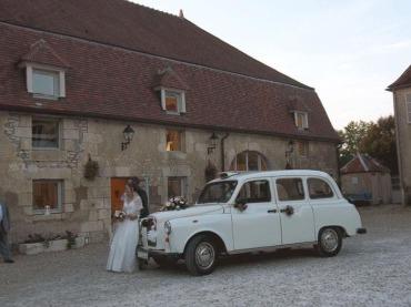vin d'honneur, mariage, mariés, location taxi anglais avec chauffeur, forfait mariage, salles a louer, location evenementielle